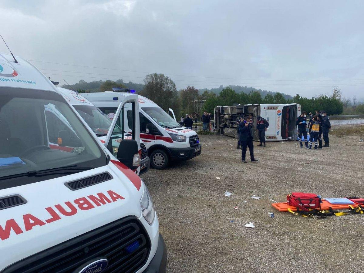 Bartın da MHP toplantısına giden otobüs kaza yaptı #3