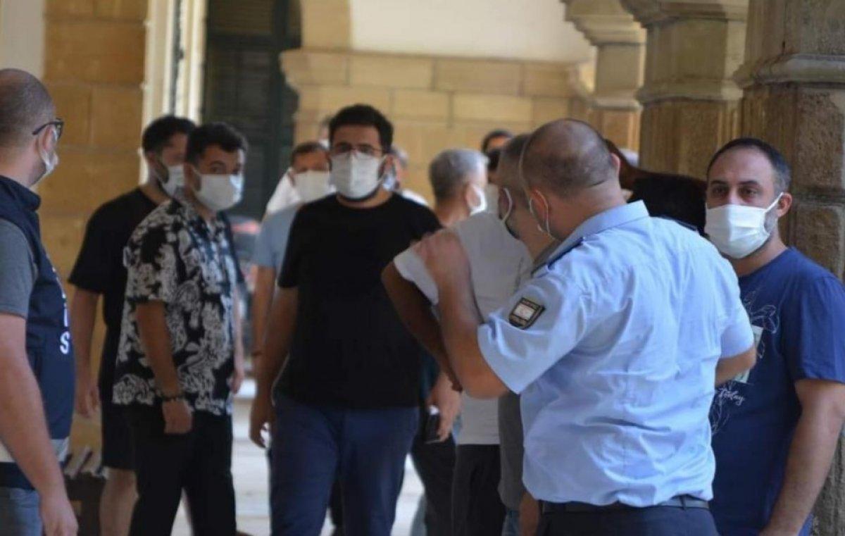 Bülent Ersoy un orkestrasına 1 ay hapis cezası  #1