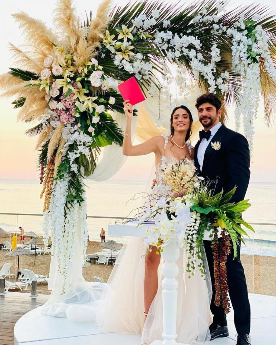Melisa Emirbayer ve Sami Hamidi evlendi #1