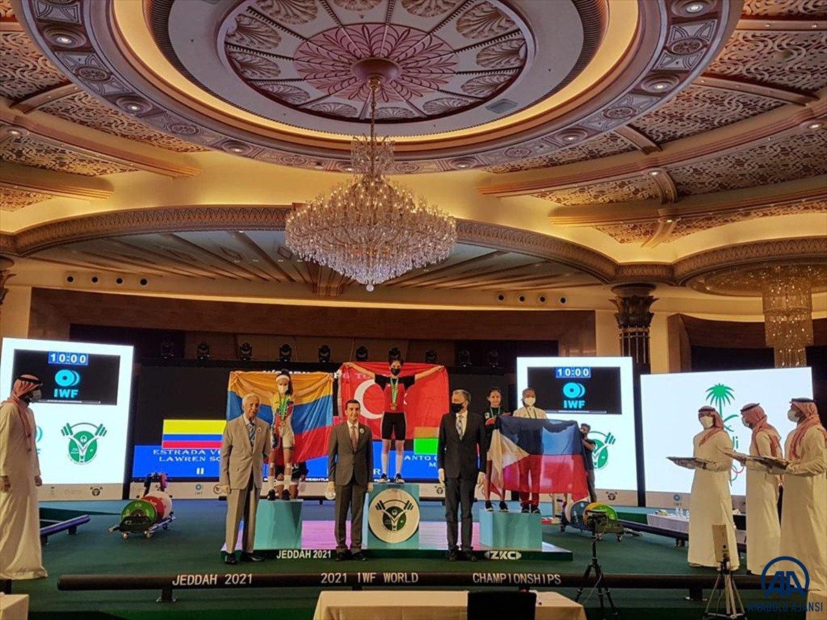 Milli halterci Ezgi Kılıç, dünya şampiyonu oldu #2
