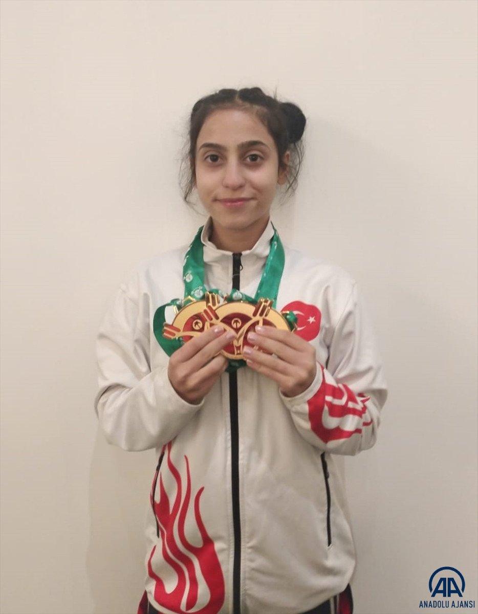 Milli halterci Ezgi Kılıç, dünya şampiyonu oldu #4