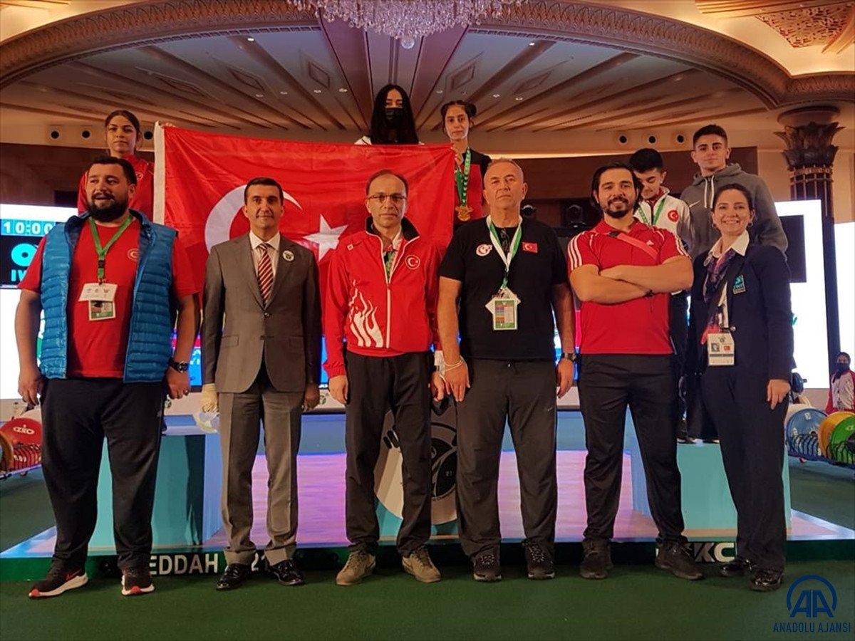 Milli halterci Ezgi Kılıç, dünya şampiyonu oldu #3