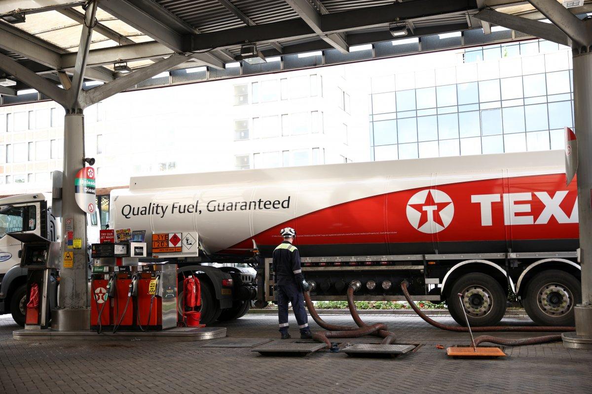İngiltere de yakıt krizi devam ediyor #1