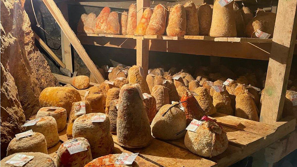 Karaman ın Divle peyniri  Türk rokforu  sofralarda #1