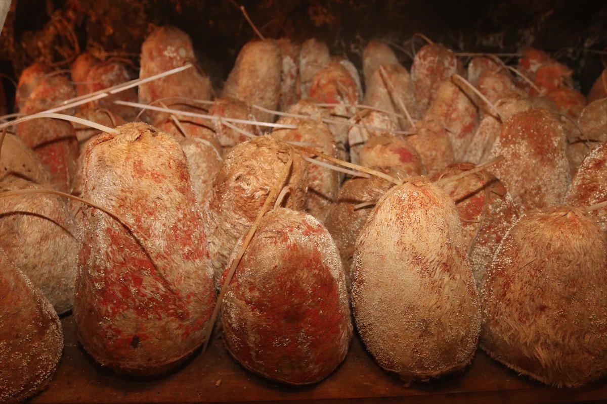 Karaman ın Divle peyniri  Türk rokforu  sofralarda #7