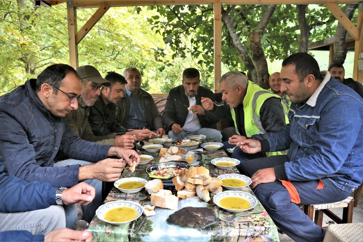 Kastamonu da selzede, işçilere gönüllü olarak yemek yapıyor #2
