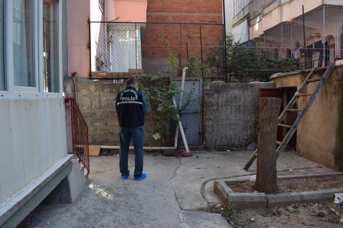 Malatya'da baba, oğlunu turşu kavanozu ile ağır yaraladı #1