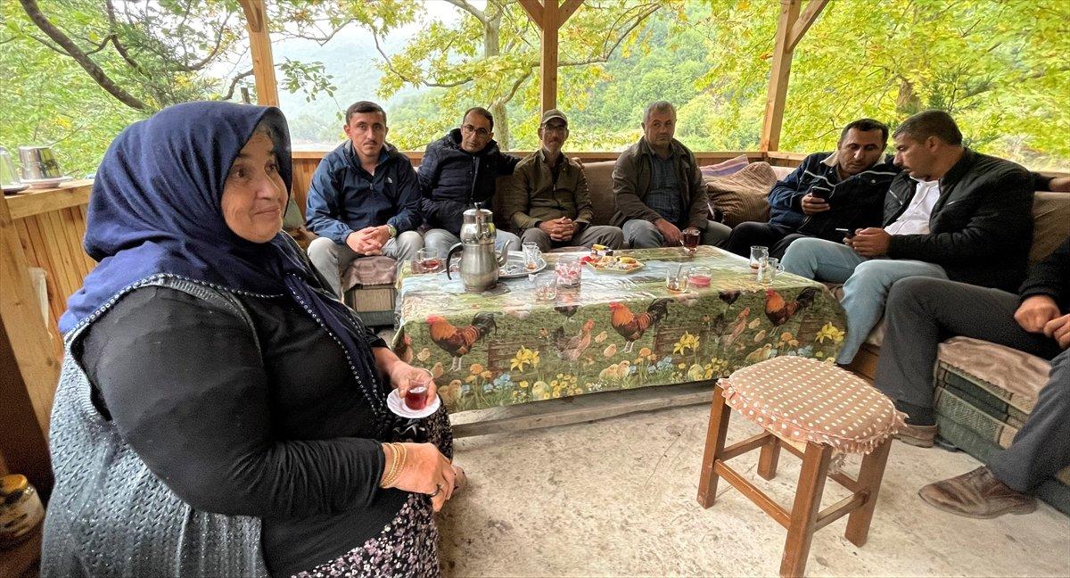 Kastamonu da selzede, işçilere gönüllü olarak yemek yapıyor #3