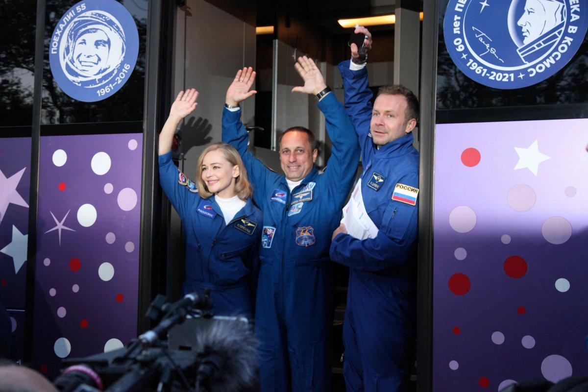 Rusya, film ekibini uzaya gönderdi #4