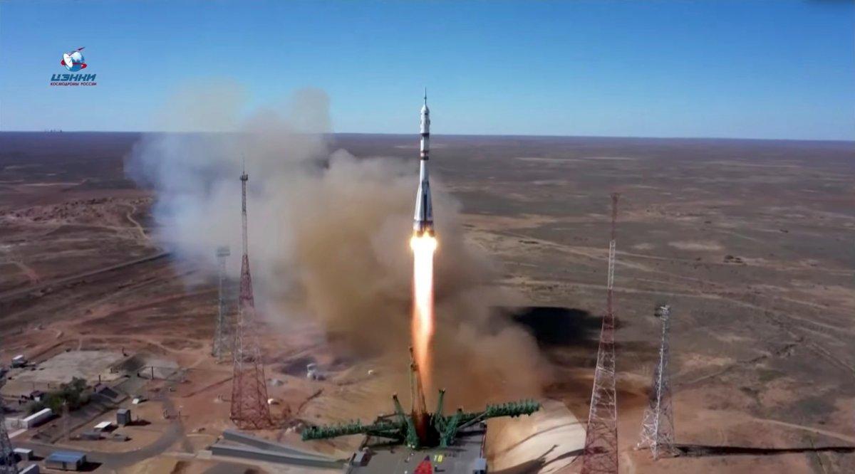Rusya, film ekibini uzaya gönderdi #2