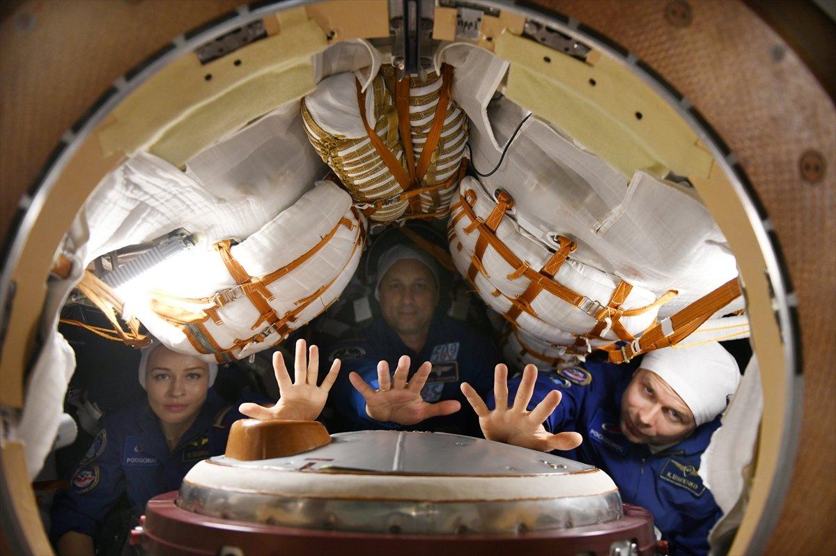 Rusya, film ekibini uzaya gönderdi #6