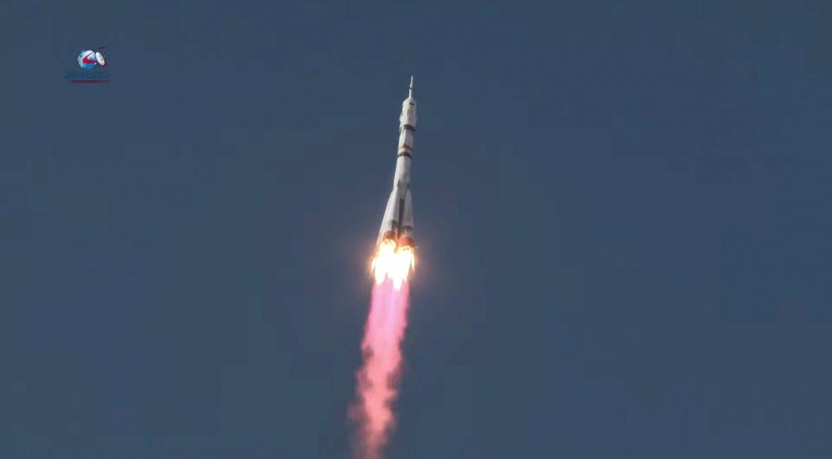 Rusya, film ekibini uzaya gönderdi #3