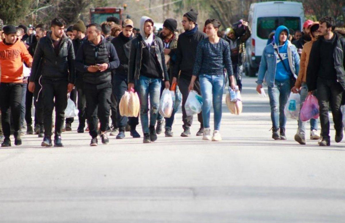 Türkiye de 3.7 milyon Suriyeli geçici koruma statüsünde  #3