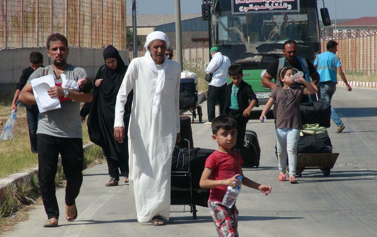 Türkiye de 3.7 milyon Suriyeli geçici koruma statüsünde  #7