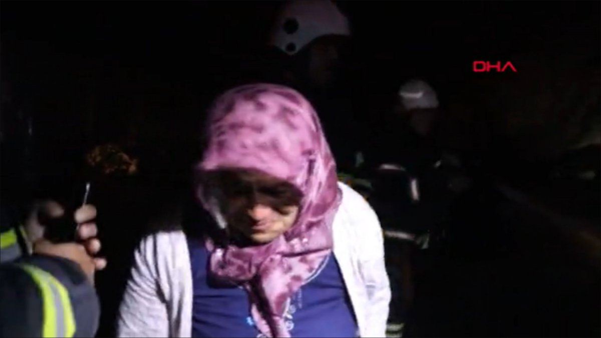 Burdur'da tavuk ağılı yandı, yanan tavukları için gözyaşı döktü  #2
