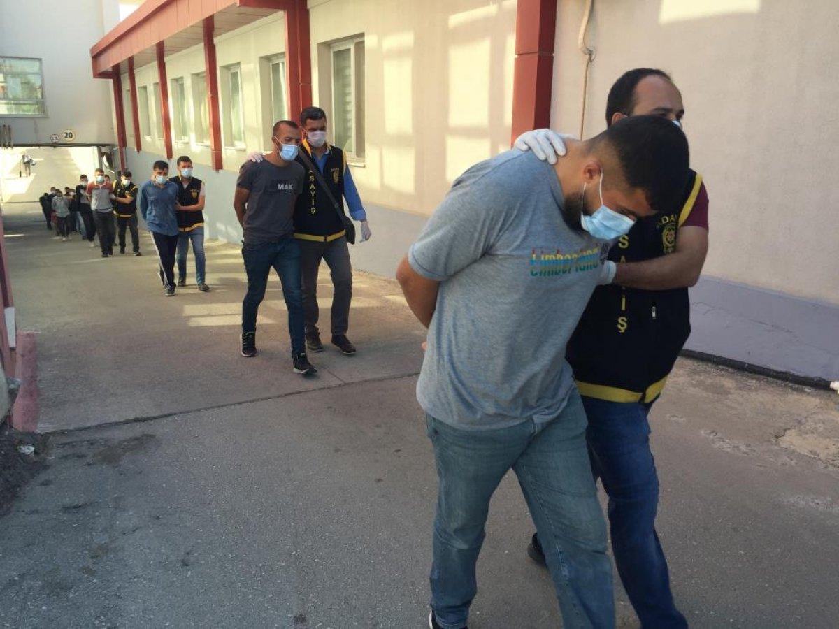 Adana da düzenlenen şafak operasyonunda 50 şüpheli yakalandı  #5