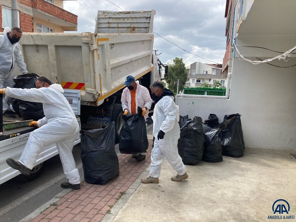 Kocaeli de vatandaşlar çöp evi temizletti  #1