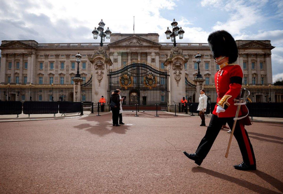 Buckingham Sarayı işe alım yapacak #1