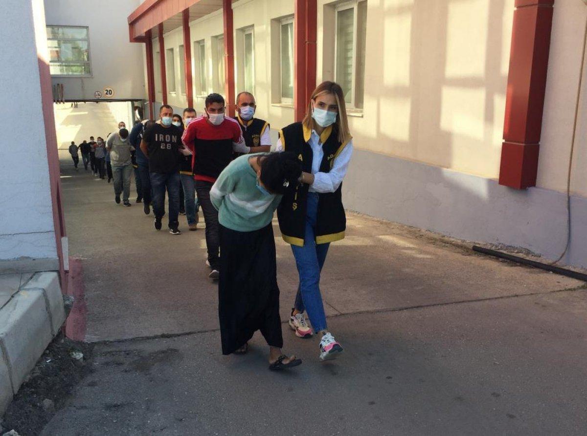 Adana da düzenlenen şafak operasyonunda 50 şüpheli yakalandı  #1