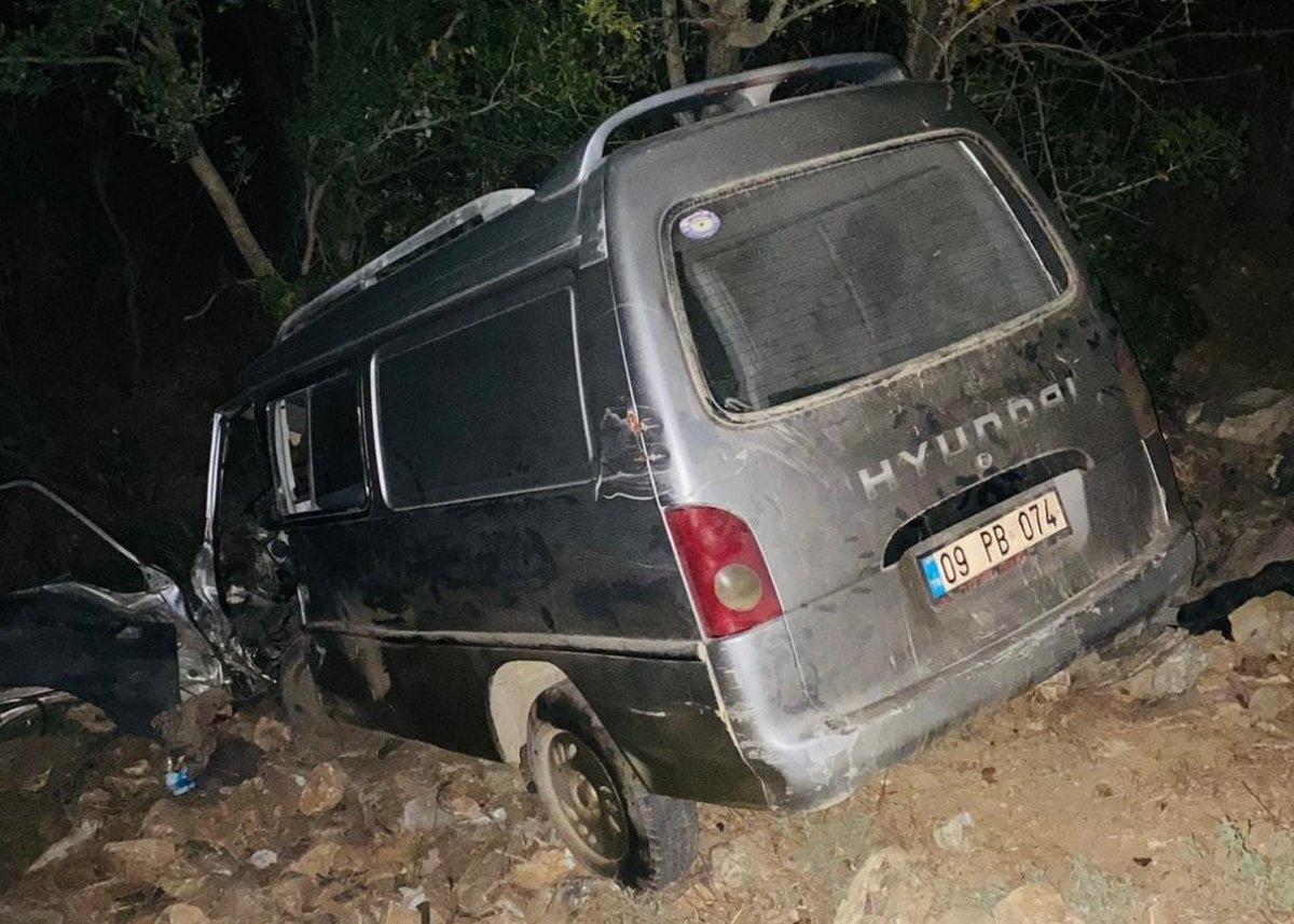 Muğla da iki otomobil çarpıştı: 1 ölü #1