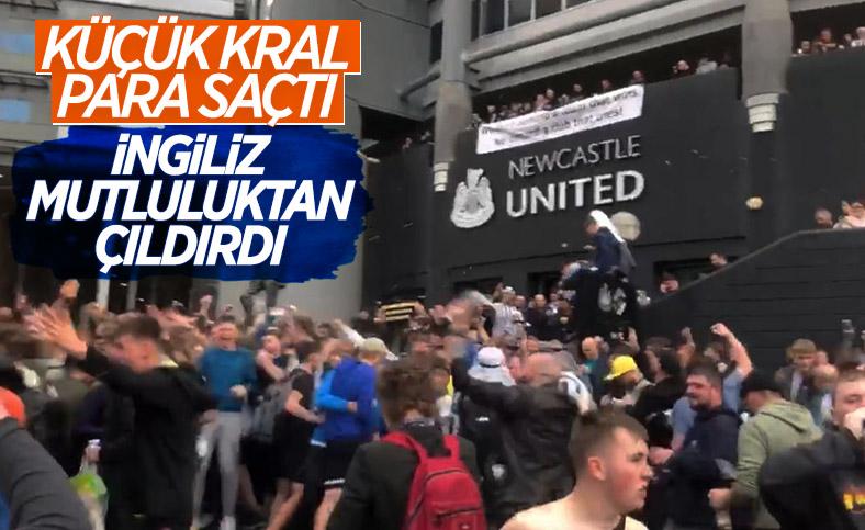 Newcastle United taraftarları takımın Prens Selman'a satılışını kutladı