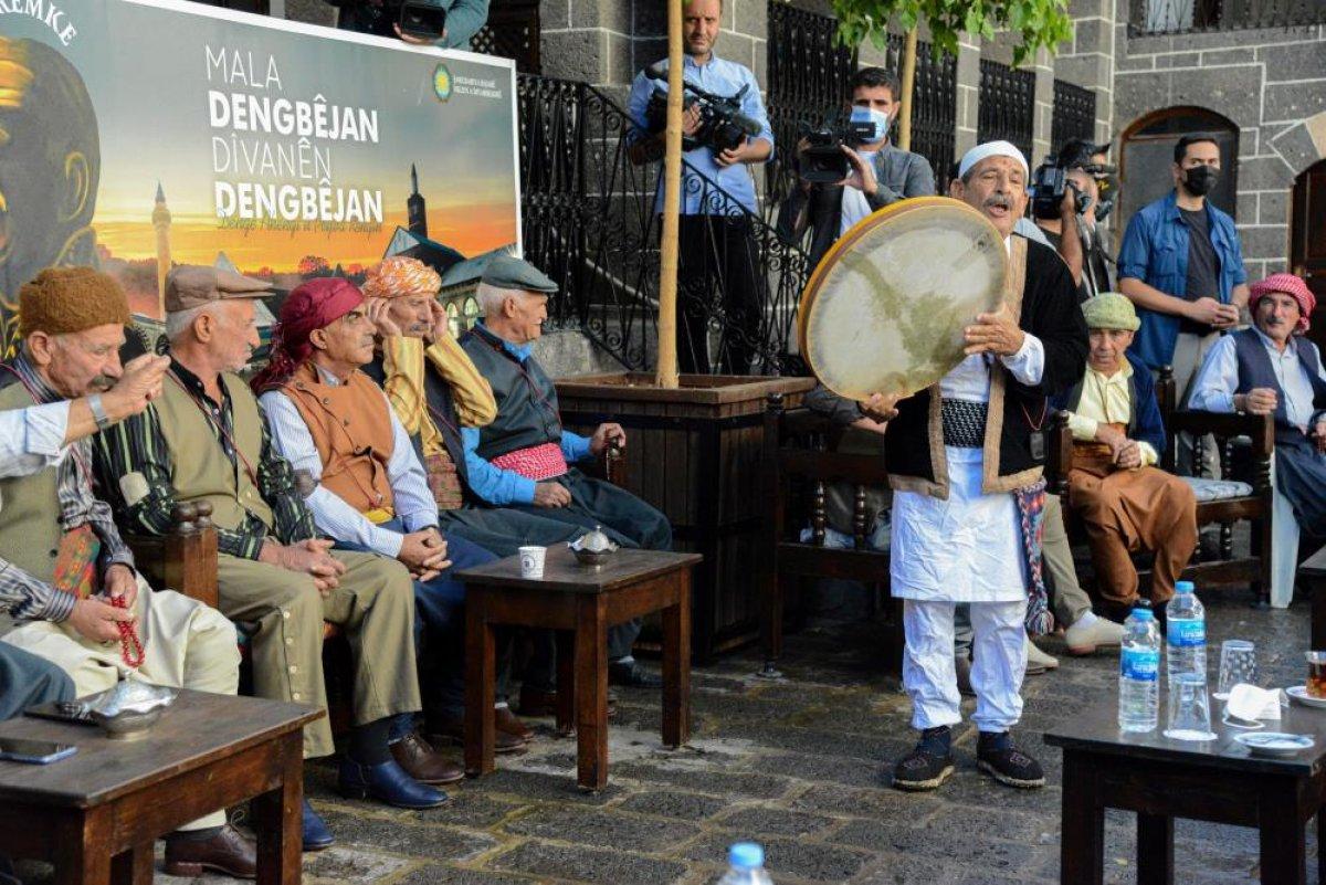 Diyarbakır'da piyano eşliğinde uzun hava denemesi #1