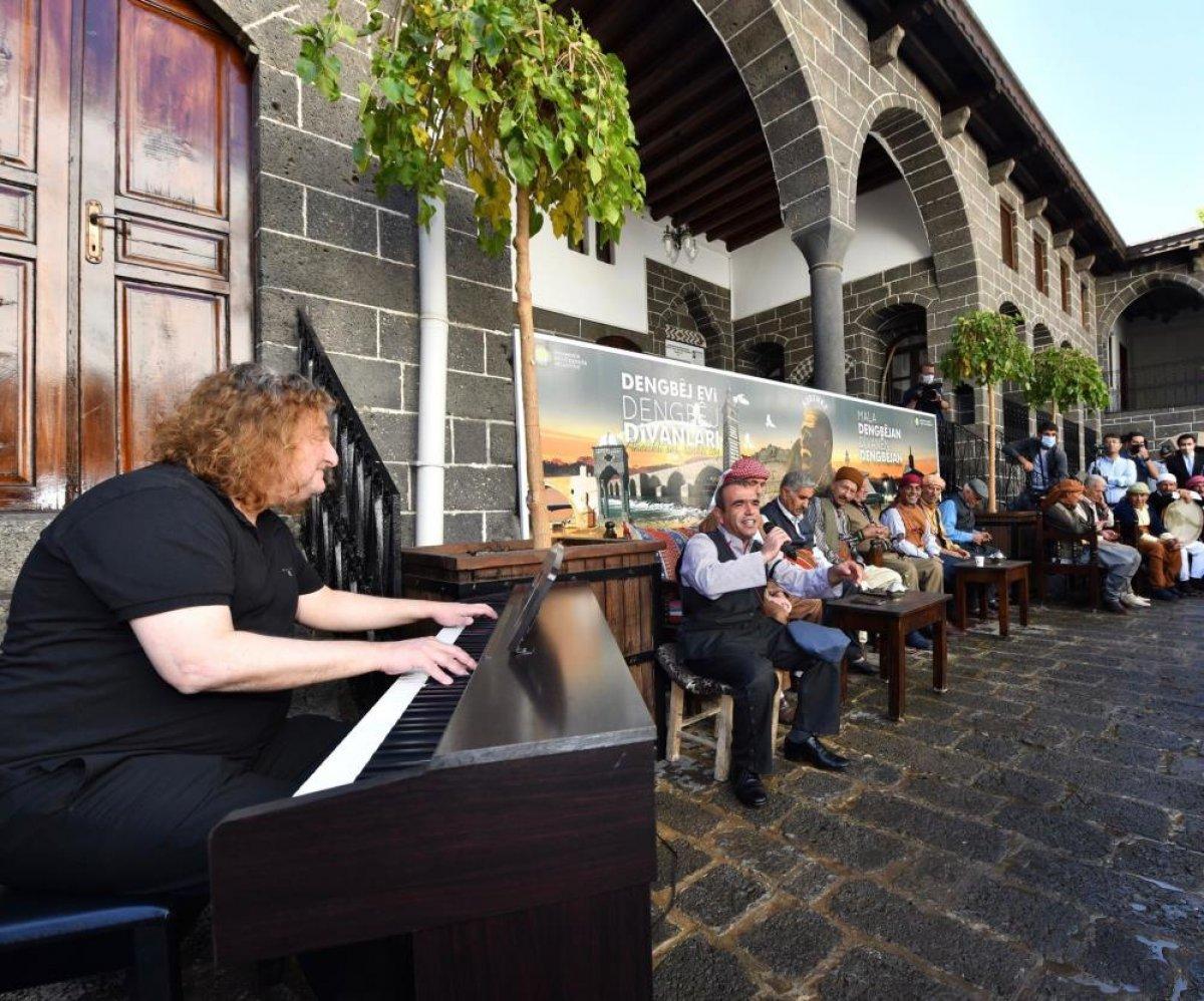 Diyarbakır'da piyano eşliğinde uzun hava denemesi #2