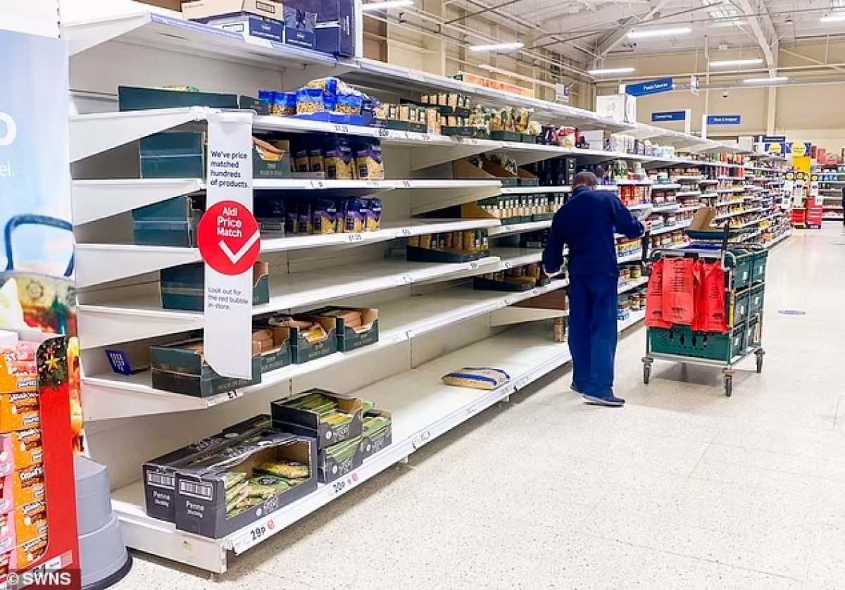 İngiliz halkı, temel gıdaları satın almakta zorluk yaşıyor #2