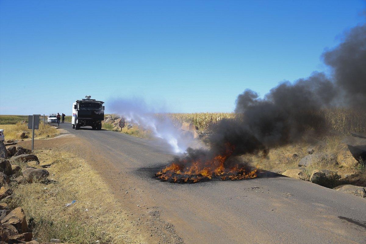 Şanlıurfa da kaçak elektrik kullananlara yapılan denetimde lastik yakıldı #2