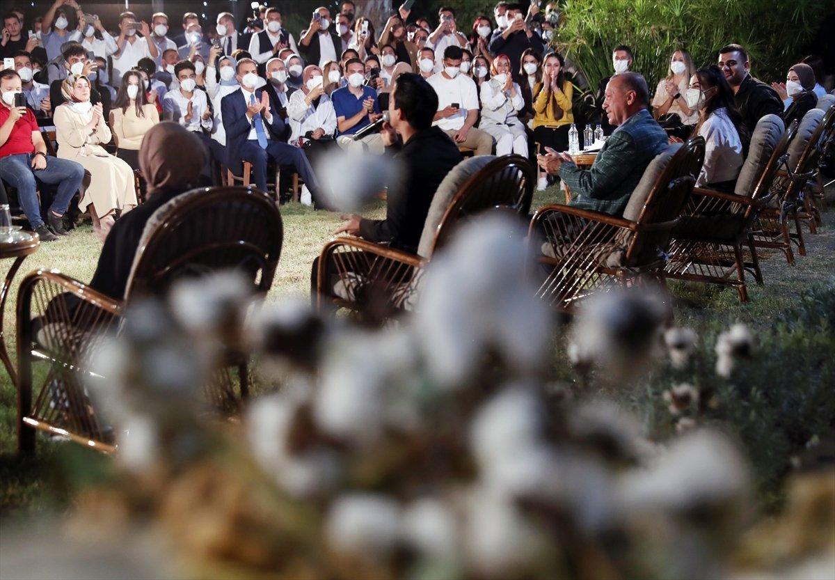 Cumhurbaşkanı Erdoğan, Adana da gençlerle buluştu #1
