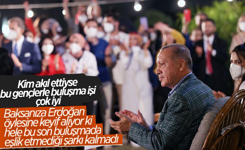 Cumhurbaşkanı Erdoğan, Adana'da gençlerle buluştu