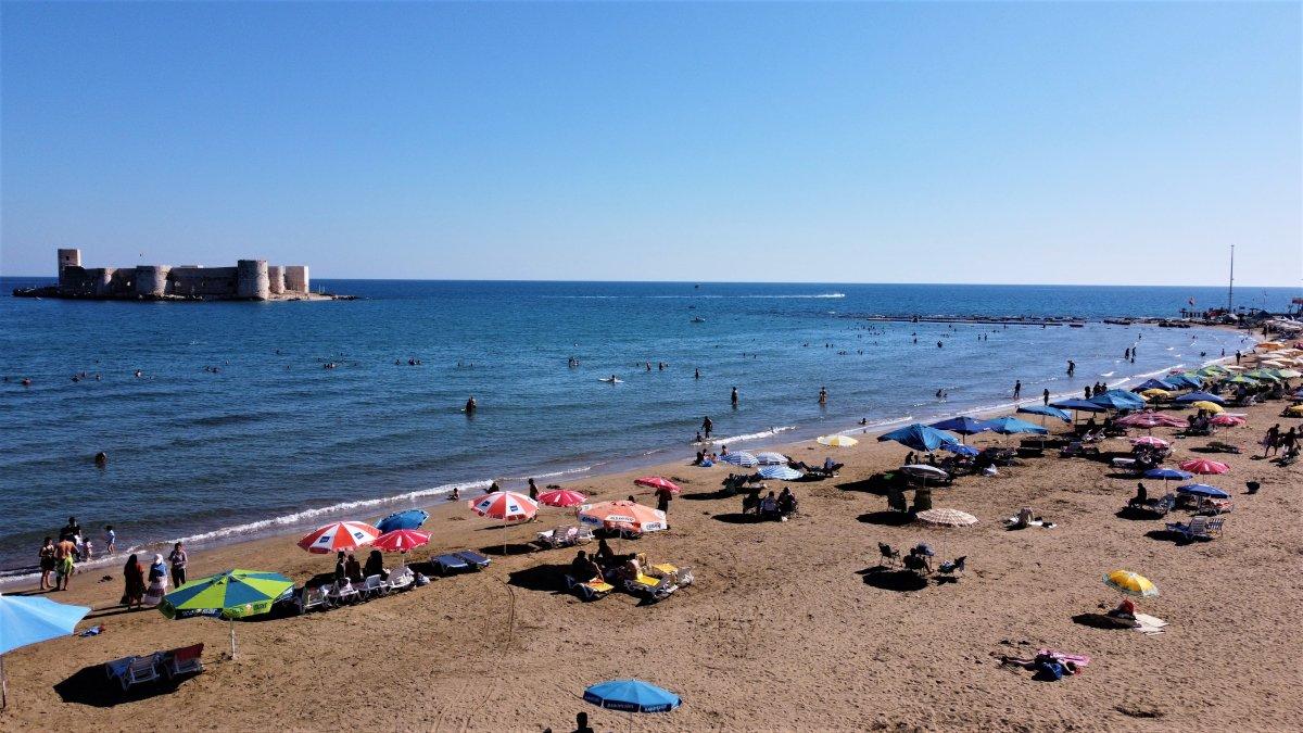 Tatilciler Mersin Kızkalesi ne akın etti #5