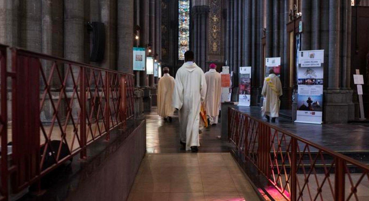 Fransa da rahibin cinsel saldırısına uğrayan Poujade yaşadıklarını anlattı #2