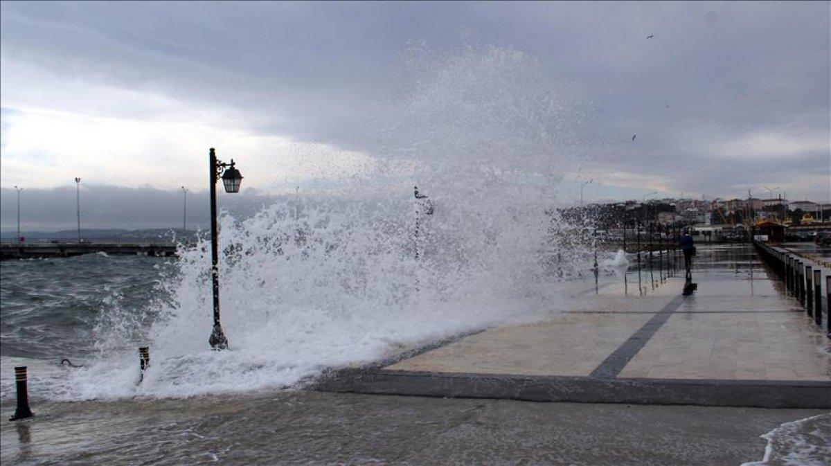 Meteorolojiden Batı Karadeniz için fırtına uyarısı #1