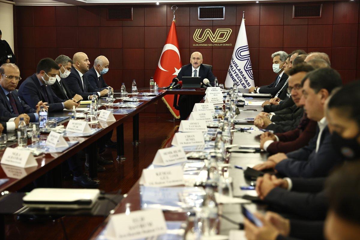 Adil Karaismailoğlu: Ülkemiz güçlü kara yolu sektörü ile ihracatını artırmaya devam ediyor  #4