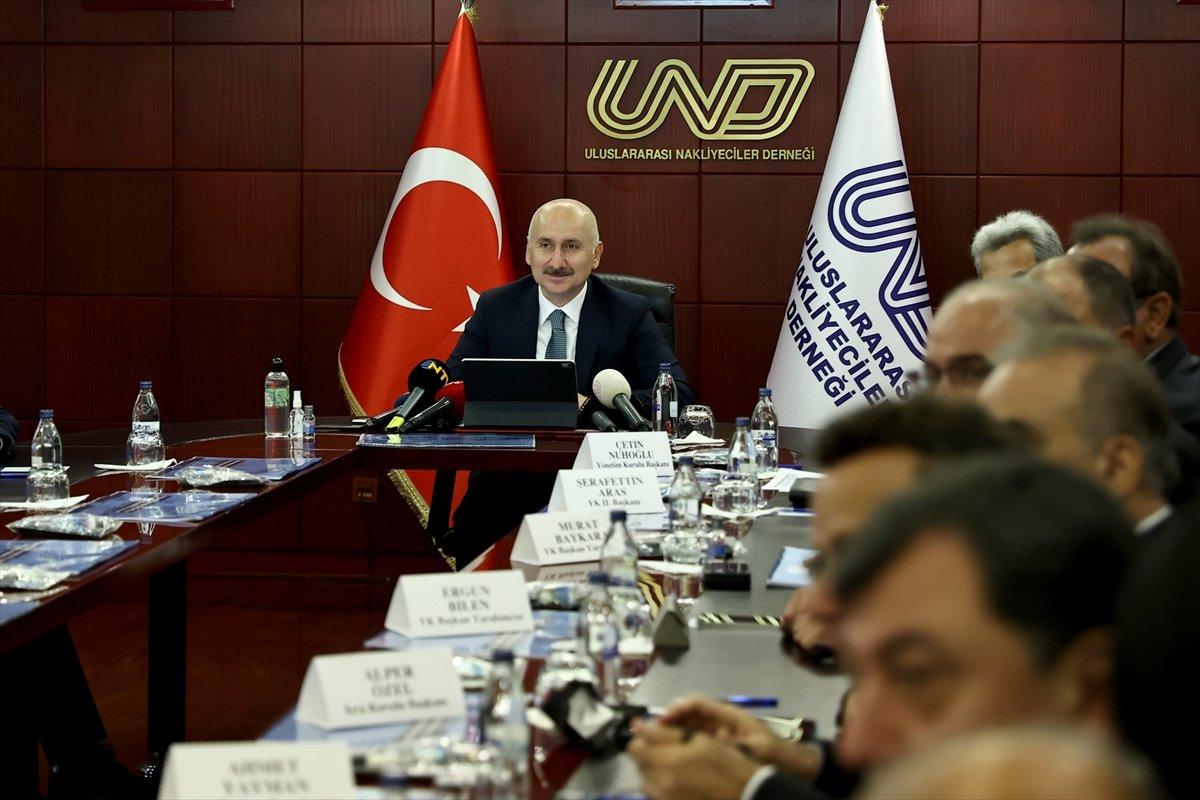 Adil Karaismailoğlu: Ülkemiz güçlü kara yolu sektörü ile ihracatını artırmaya devam ediyor  #1