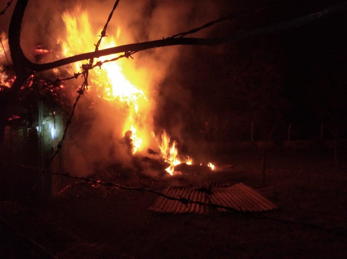 Erzurum daki yangın  2 ev, 5 ahır ve 1 kileri kül etti #1