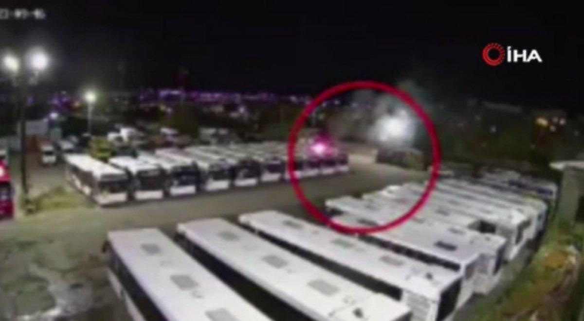Rusya da havai fişek otobüsün üstüne düştü #2
