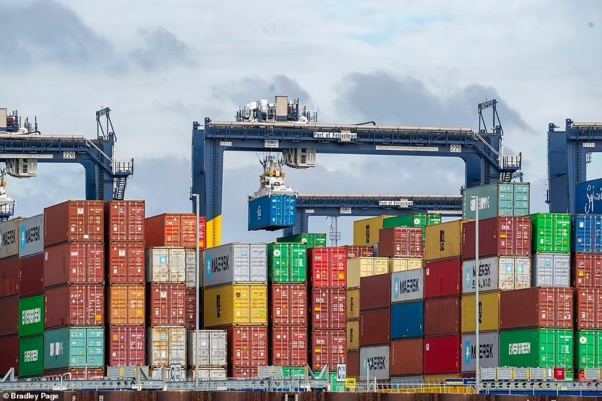 İngiltere limanlarında nakliye krizi yaşanıyor #1
