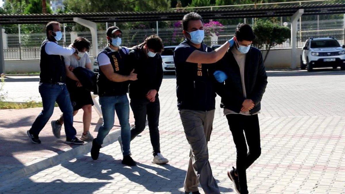 Mersin merkezli 42 ilde jigolo operasyonu: 182 kişi dolandırıldı #3