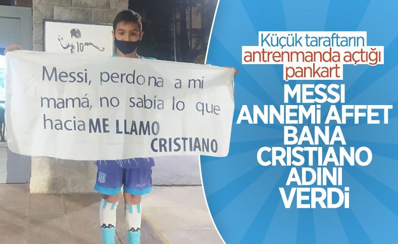 Küçük Arjantinli taraftarın Messi pankartı