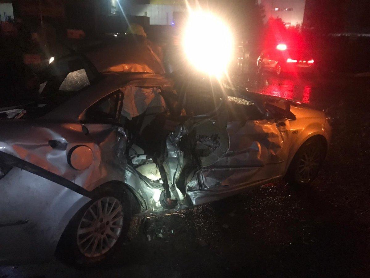 Sakarya da tır ile otomobil çarpıştı: 3 yaralı #1