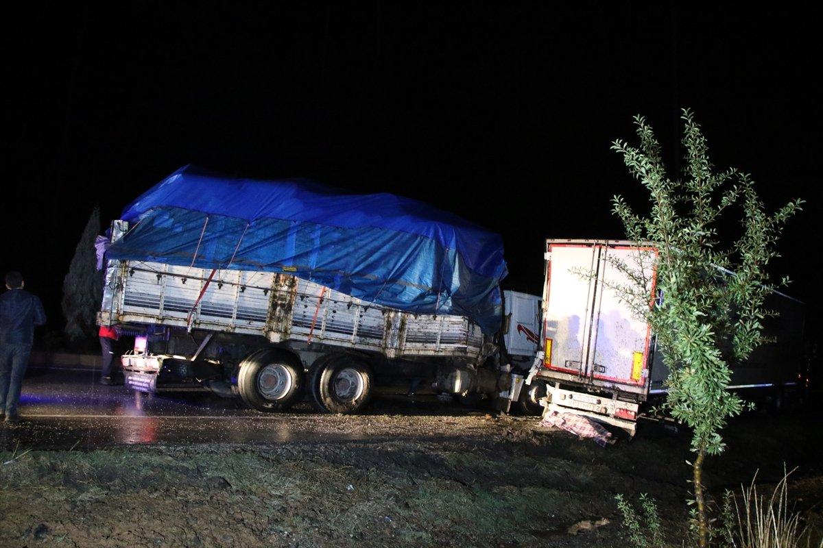 Uşak ta tankerin çarptığı sürücü yaşamını yitirdi #1