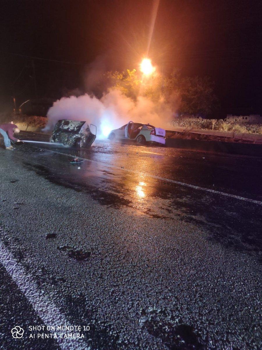 Uşak ta meydana gelen kazada 1 kişi yanarak hayatını kaybetti. #2