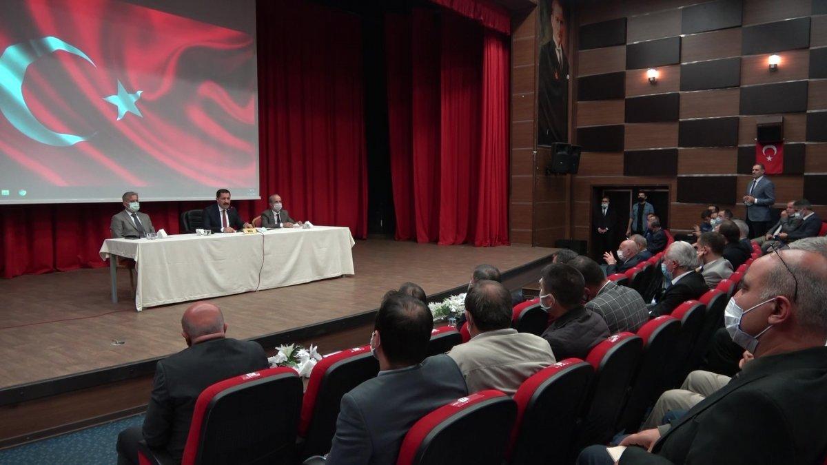 Amasya Valisi: 4 bin TL ye çalışacak eleman bulunamıyor #1