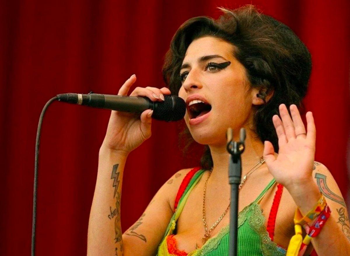 Amy Winehouse un eşyaları açık artırmaya çıkarılıyor #3