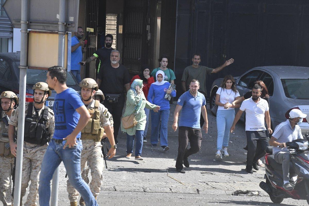 Beyrut taki patlama soruşturması protesto edilince sokaklar karıştı #16
