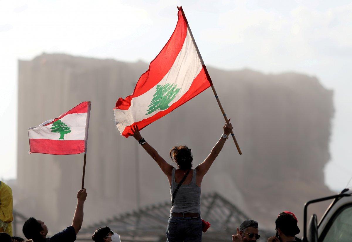 Beyrut taki patlama soruşturması protesto edilince sokaklar karıştı #4