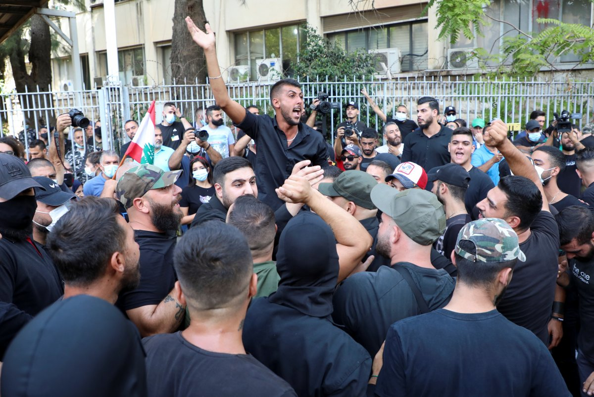 Beyrut taki patlama soruşturması protesto edilince sokaklar karıştı #2