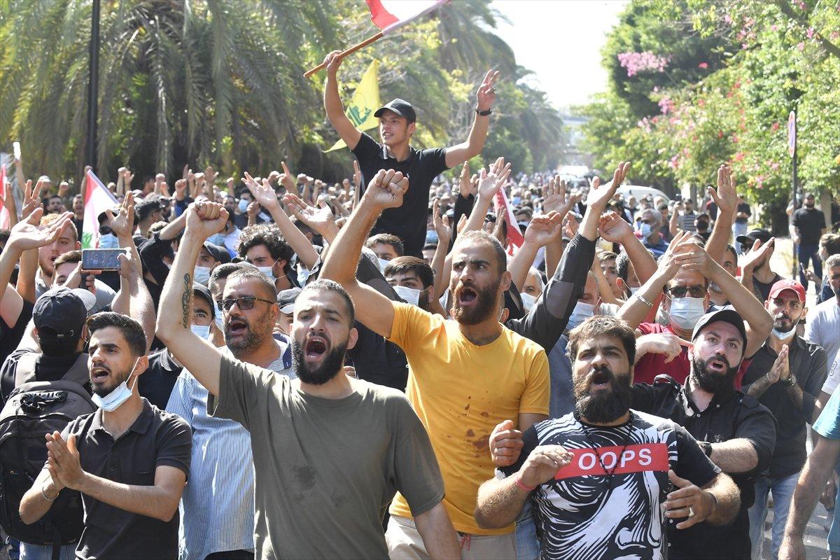 Beyrut taki patlama soruşturması protesto edilince sokaklar karıştı #10
